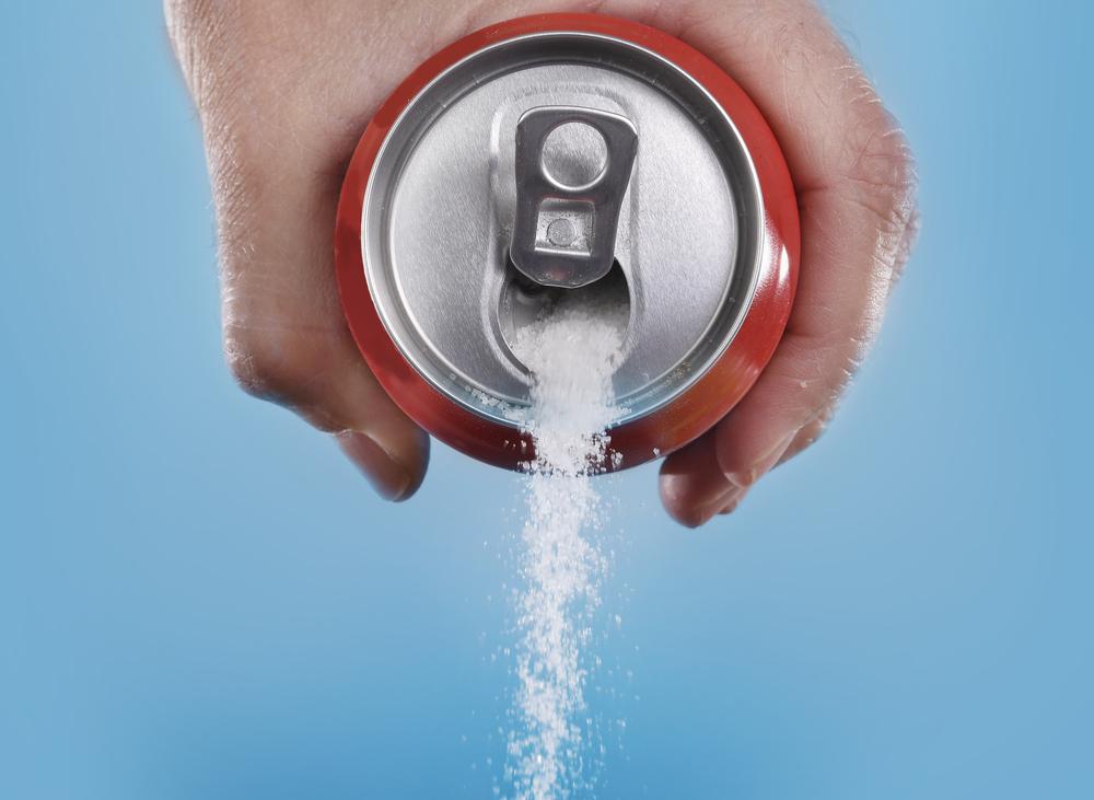 Rótulos de saúde podem dissuadir na compra de bebidas açucaradas, diz pesquisa
