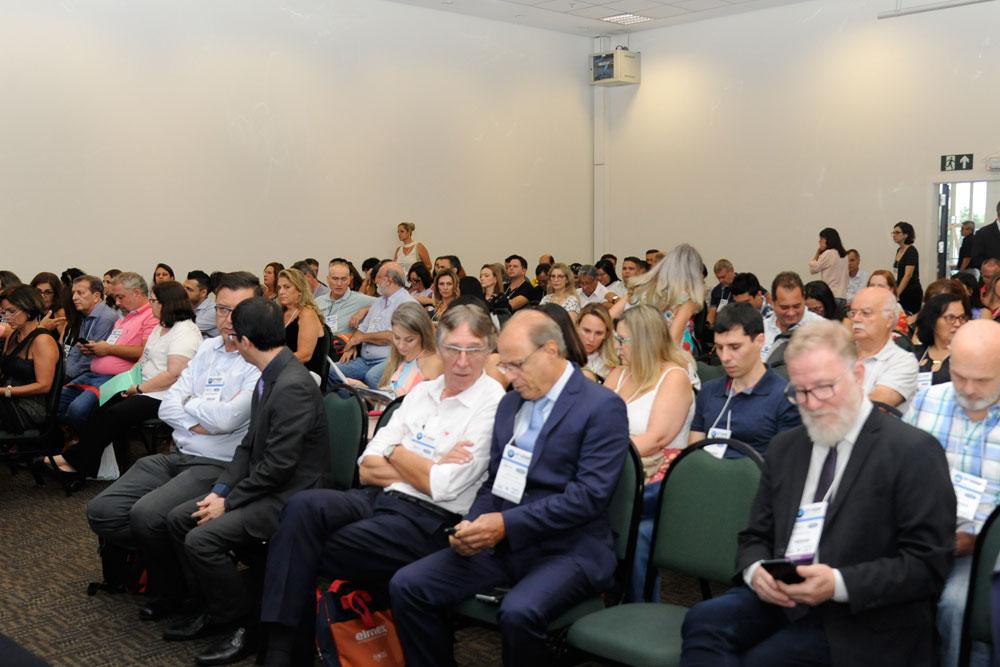 PSC apresenta relatório sobre demandas da política de saúde bucal do Brasil
